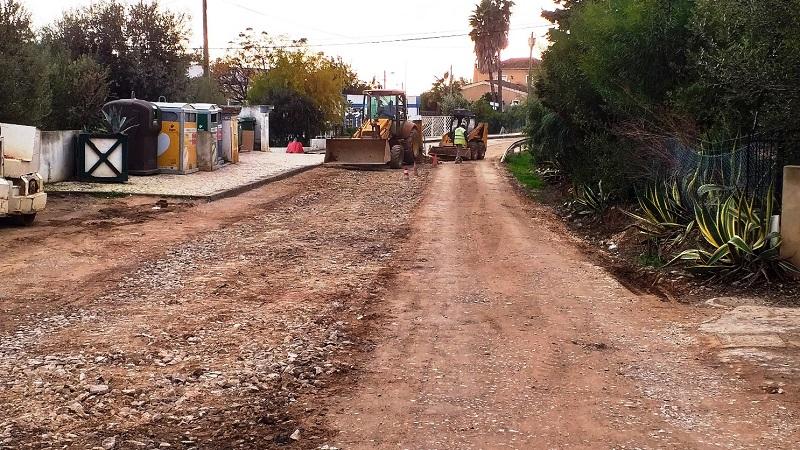 Obras levam a corte de trânsito em via de comunicação